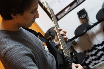 batikent-elektro-gitar-kursu